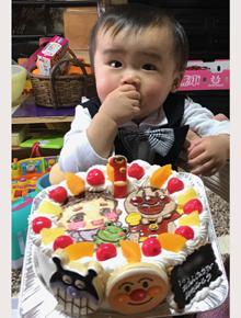 アンパンマンと似顔絵のイラストケーキ