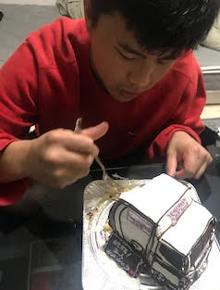 トラックの立体ケーキ
