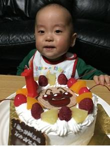 1歳の誕生日のアンパンマンのイラストケーキ