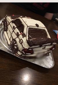 凄いと驚いてました。(車の立体ケーキ)(乗物立体ケーキ)