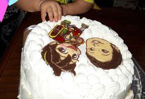 似顔絵とキャラクターのスマッシュケーキ