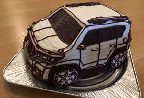 とても良い記念日になりました^ ^(車の立体ケーキ)(乗物立体ケーキ)