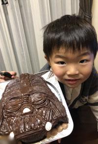 スターウォーズ、ダーズベイダーの顔型立体ケーキ
