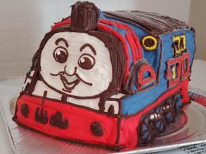 トーマスの立体ケーキ