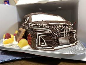 愛車、アルファードの立体ケーキ