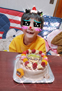 スプラトゥーンBOYのマスコット付きケーキ