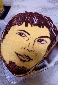 GENERATIONSの顔型立体ケーキ