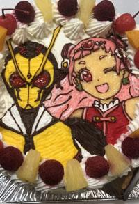 プリキュアと 仮面ライダーのキャラケーキ
