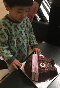 ダダンダンの顔型立体ケーキ