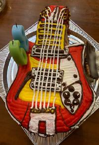 Rickenbacker12弦ギターの立体ケーキ