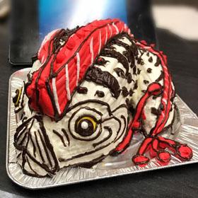 深海魚、リュウグウノツカイの立体ケーキ