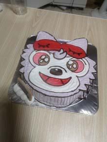 ちびおおかみくんの顔型立体ケーキ