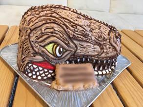 ティラノサウルスの立体ケーキ