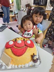 アンパンマンの顔型立体ケーキ
