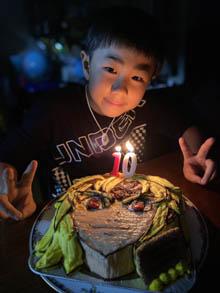 七つの大罪、魔神メリオダスの顔型立体ケーキ