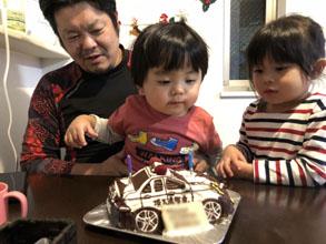誕生日、パトカーの立体ケーキ